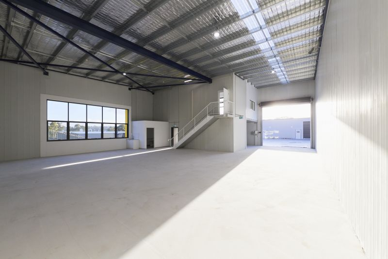 BRAND NEW INDUSTRIAL UNITS - READY FOR IMMEDIATE OCCUPATION
