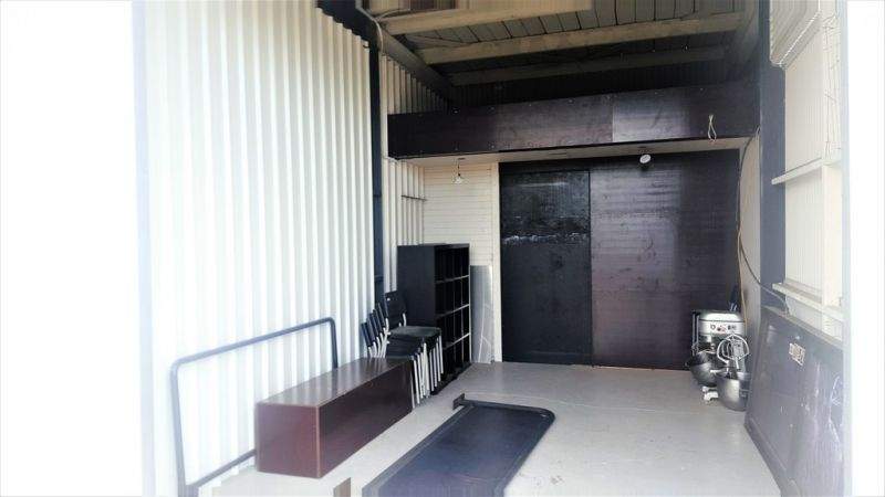 STORAGE UNIT WITH KITCHEN EQUIPMENT