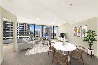 Oversized one bedroom, knockout city views
