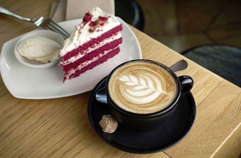 Cafe / Thai Restaurant. Premium Busy Location  **UNDER OFFER**